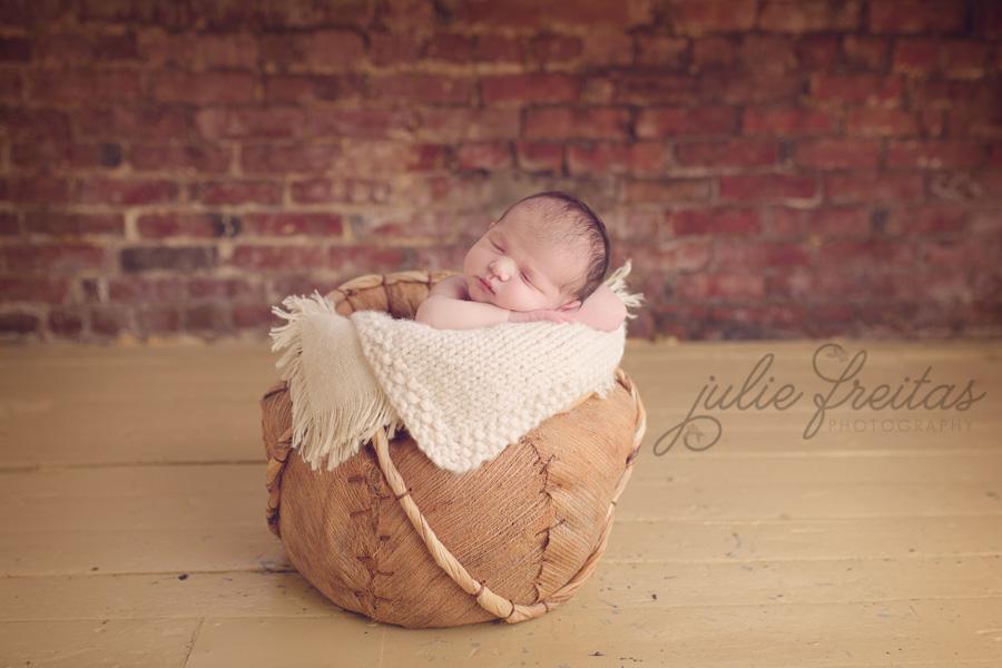 boston-ma-newborn - Julie Freitas Photography - North Shore